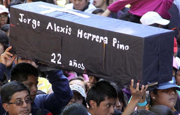 """En Puebla condenan los hechos ocurridos en la Normal Rural """"Raúl Isidro Burgos"""", de Ayotzinapa, Guerrero"""