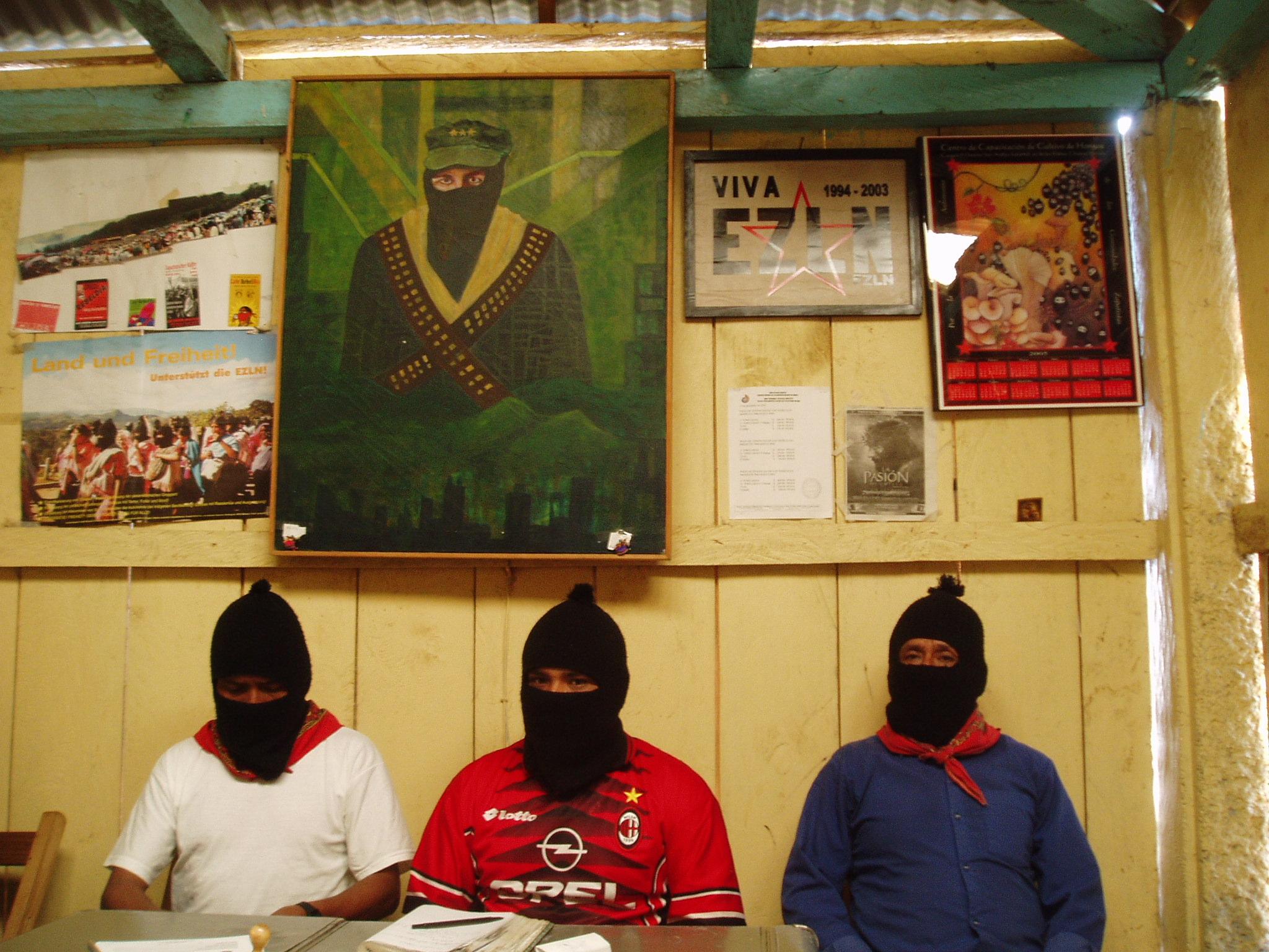JBG de Oventik exige la libertad inmediata de Francisco Sántiz López, y de Don Lorenzo López Girón, injustamente detenidos .