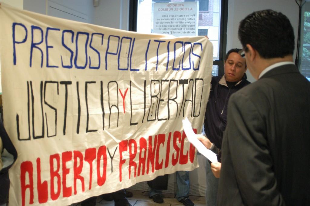 PROTESTA DE OCUPA WALL STREET PARA EXIGIR LA LIBERACION DE FRANCISCO SÁNTIZ Y ALBERTO PATISHTÁN