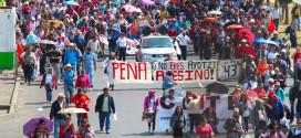 En México y países solidarios continúan exigiendo justicia, a cuatro meses de la desaparición forzada de estudiantes de Ayotzinapa.