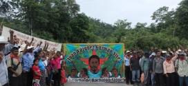 """Ejido Bachajón protesta """"por la política de despojo y los asesinatos cometidos por el mal gobierno de Peña Nieto y Velasco Coello""""."""