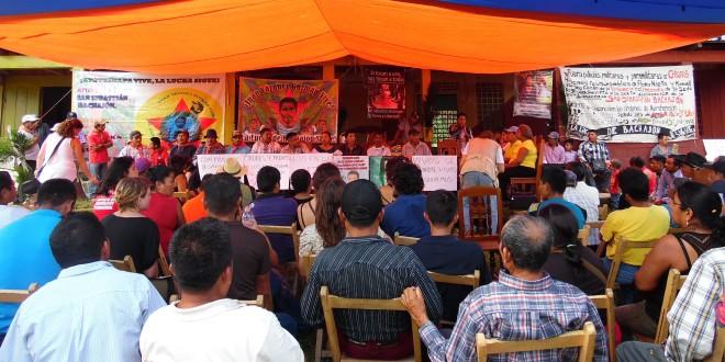 """""""Nueve meses sin regresar a casa, buscando a mi hijo"""", madre de Ayotzinapa."""