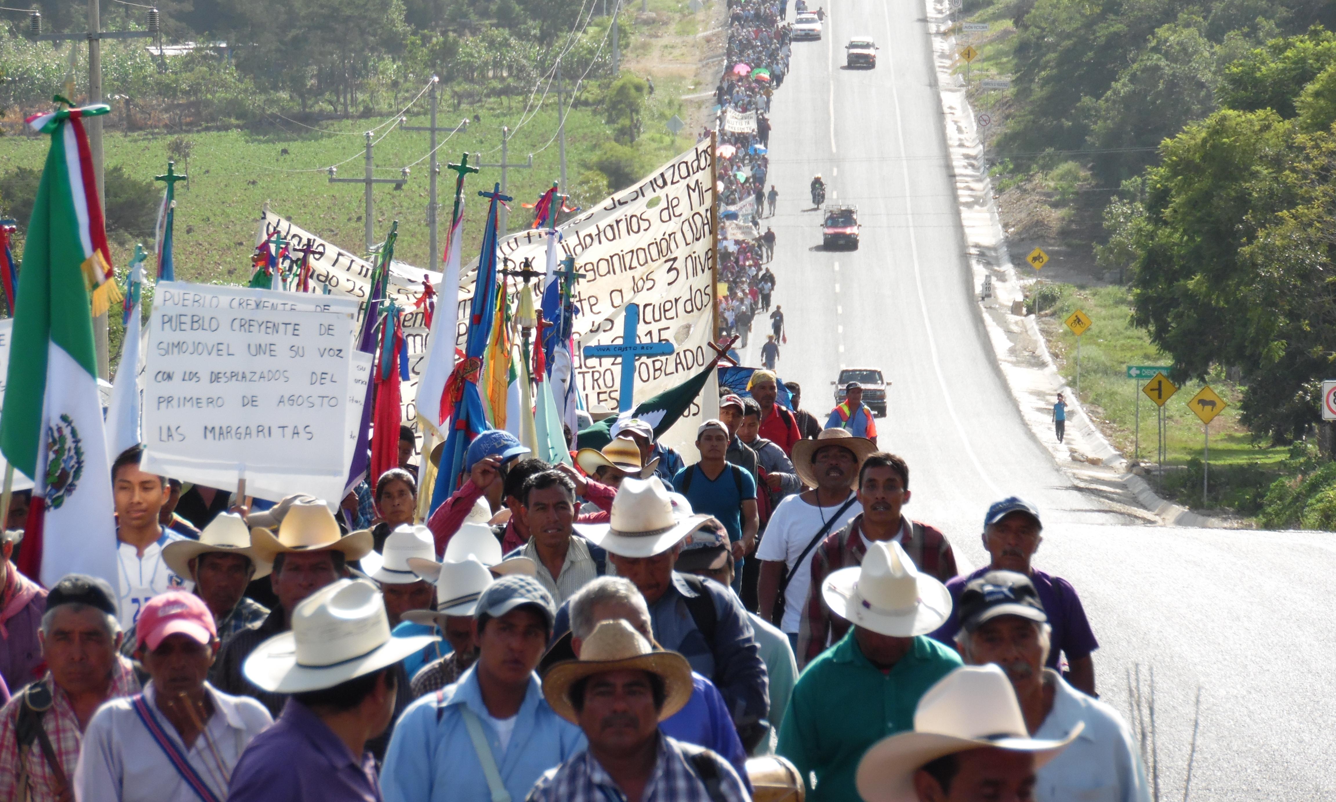 """Chiapas: """"Hay proyectos de muerte, pero hoy venimos a reivindicar los derechos a la vida""""."""