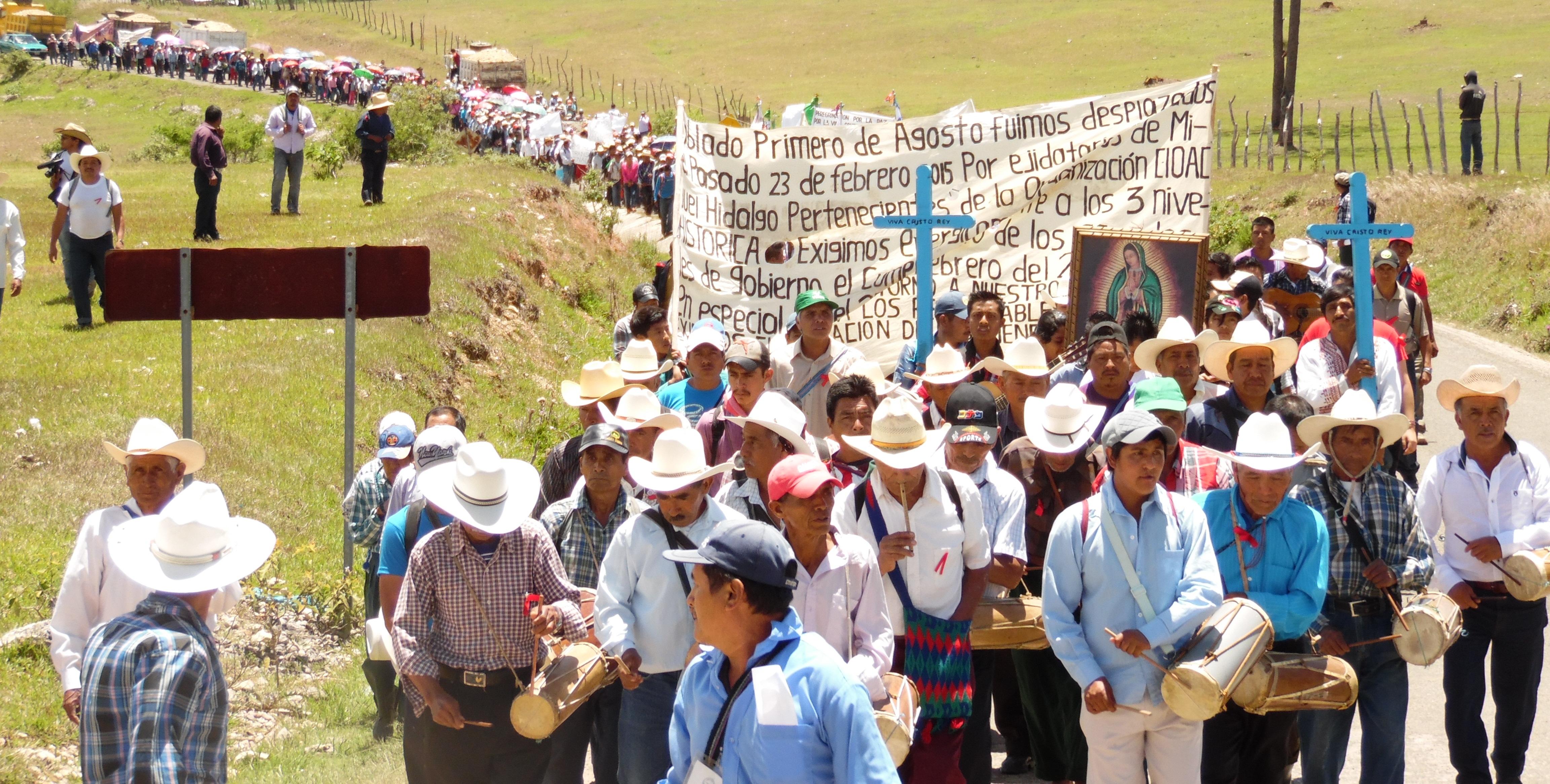 """El gobierno del estado """"omiso"""", evidencian indígenas tojolabales desplazados, ante nuevo hostigamiento de la CIOAC-H."""