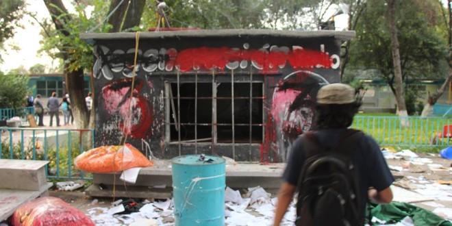 CCH Vallejo: Denuncian daños, violencia y destrucción contra Regeneración Radio.