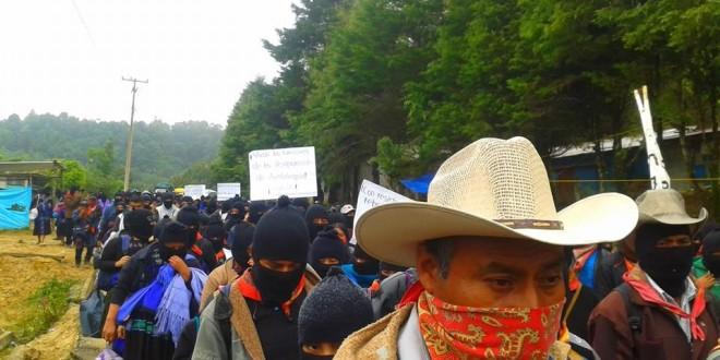 """""""En resistencia y en rebeldía exigimos justicia"""" EZLN a Ayotzinapa. 26 de sep."""
