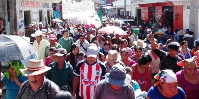 """México: """"Si no hay solución, habrá demolición"""", consigna cumplida en Tila Chiapas. 16 de diciembre."""