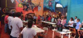"""""""Mediante cifras absurdas, el gobierno pretende remover personal docente y desmantelar las escuelas públicas"""", acusa AED-CNTE Chiapas"""