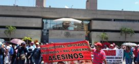 Sección 7 y 40 de la CNTE, marchan en Chiapas, en repudio a políticas de Peña Nieto
