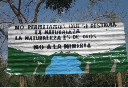 Chiapas: mineras ofrecen regalos para el día del Niño y de la Madre, a habitantes de Flores Magón, Chicomuselo, para que les permitan el paso