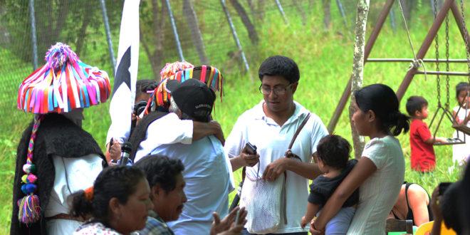 Un abrazo solidario para Cruztón, Chiapas. Caravana CNI-La Sexta