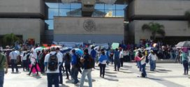 "Chiapas: En la ""incertidumbre"", docentes de Telebachillerato a los que Velasco adeuda pagos"