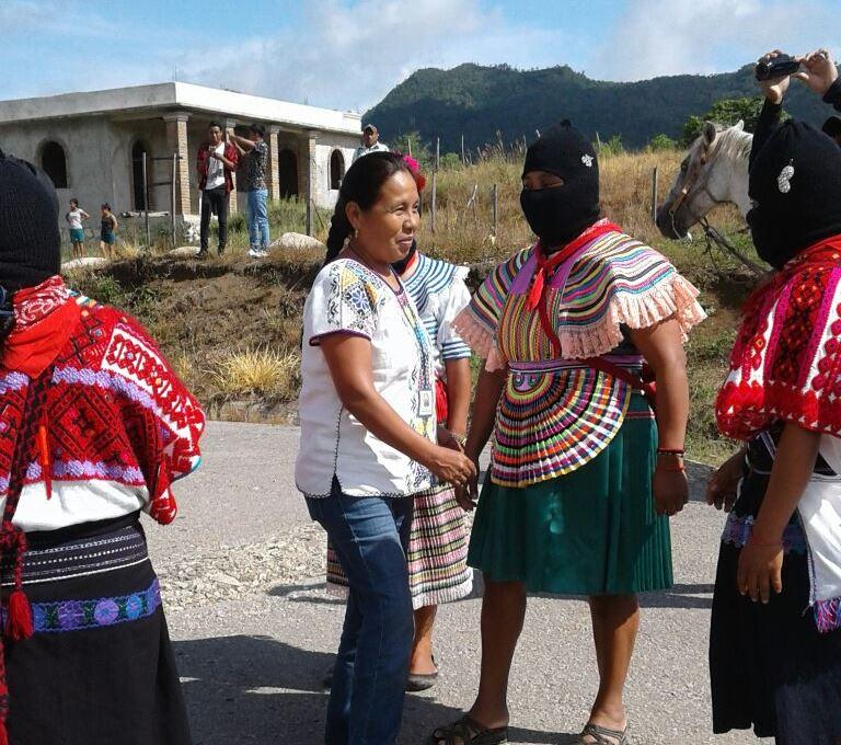 """EZLN """"Voy a hablar de nosotras las mujeres en México y pongan atención los hombres"""", Comandanta Everilda. 14 de octubre 2017"""