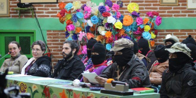 """""""PAN y PRD, disputan al PRI la complicidad en el crimen"""", EZLN"""