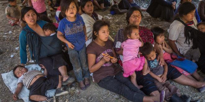 """Desplazad@s de Chiapas, exigen a Peña y Velasco: """"dejen un lado su coraje y odio contra nosotros"""""""