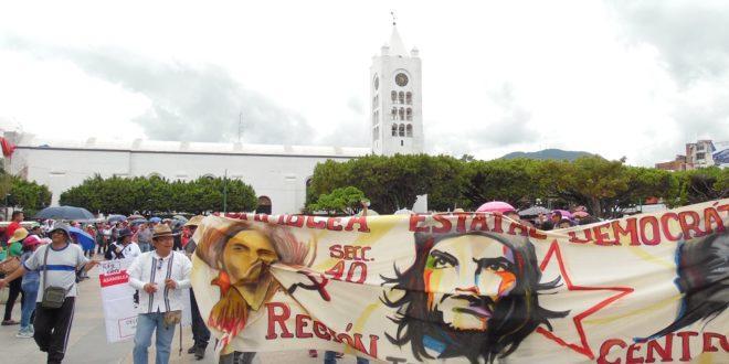 """AED_CNTE Chiapas: """"Velasco, ha desviado el dinero de los sueldos de los trabajadores de la educación, de la salud, de los burócratas"""""""